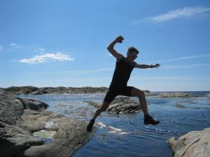 Multisport top athlete Martin Flinta trail running on Marstrand. Photo: Fredrik Ö