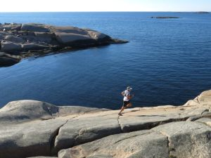 Running on the rocks next to the sea is a bliss. Swedish west coast at its best. Photo: Svante Lundgren