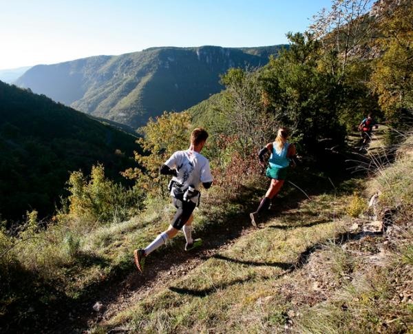 Grand Trail des Templiers är ett av de klassiska trailloppen. Nu till helgen tävlar bland andra välmeriterade svenska ultralöparna Ida Nilsson, Jonas Buud och Fritjof Fagerlind på de natursköna stigarna i Sydfrankrike. Photo credit: Les Templiers